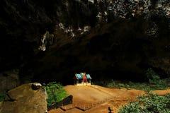 Павильон Khuha Kharuehat, пещера Phraya Nakhon, национальный парк Roi Yot Khao Сэм, Таиланд стоковое фото rf