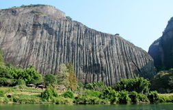 павильон на верхней части горы стоковая фотография rf