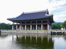 Павильон Gyeonghoeru Стоковое Изображение