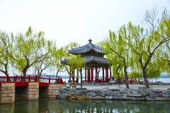 Павильон Zhichun весной стоковая фотография rf
