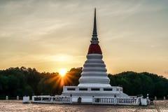 Пагода в утре стоковые изображения