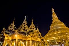 Пагода на ноче, Янгон Shwedagon, Мьянма Стоковое фото RF