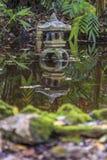 Пагода с отражением стоковое изображение