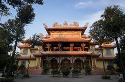 Пагода Bao Tinh на городе Tuy Hoa, Вьетнаме стоковое изображение rf