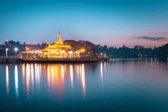 Пагода Sasana 2500 в ноче Стоковое Фото