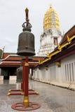 Пагода бронзового колокола золотая Стоковая Фотография