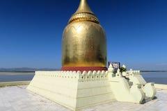 Пагода в старом Bagan, Мьянма Paya бушеля золотая Стоковые Фотографии RF
