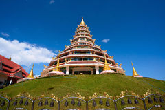 Пагода в Таиланде с голубым небом Стоковая Фотография RF