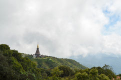 Пагода на верхней части горы Стоковое фото RF