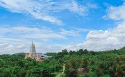 Пагода среди дерева Стоковое Изображение