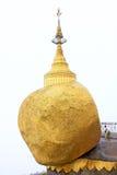 Пагода Kyaiktiyo или золотой утес, Мьянма Стоковые Фотографии RF
