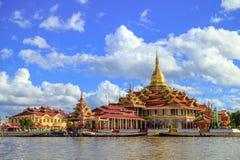 Пагода Phaung Daw Oo, озеро Inle, Мьянма Стоковое Фото