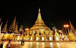 пагода shwedagon в nighttime Стоковое фото RF