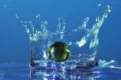 падая вода мраморов Стоковая Фотография