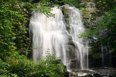 падая вода Стоковые Фото