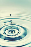 Падение воды Стоковая Фотография
