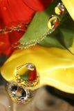 Падения воды и лепестки цветка Стоковая Фотография