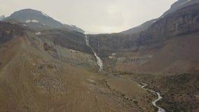 Падения ледника смычка, национальный парк Banff, Альберта, Канада акции видеоматериалы