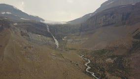 Падения ледника смычка, национальный парк Banff, Альберта, Канада видеоматериал