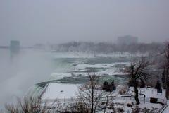 Падения Ниагарского Водопада зимы американские стоковое изображение