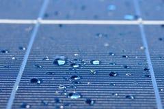 падения обшивают панелями солнечную воду стоковое изображение