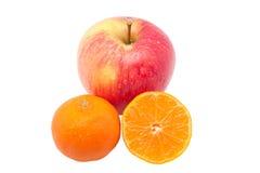 падения яблока изолировали мандарины красные Стоковые Изображения RF