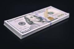 Пакет 100 долларов Стоковое Фото
