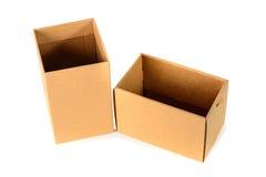 Пакет картонной коробки Брайна при крышка, изолированная на белом backgr Стоковое Изображение