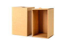 Пакет картонной коробки Брайна при крышка, изолированная на белом backgr Стоковые Изображения RF