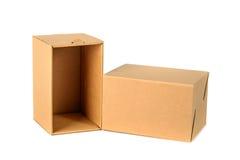 Пакет картонной коробки Брайна при крышка, изолированная на белом backgr Стоковое Фото