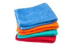 Пакет полотенец цвета. Изолированный Стоковое фото RF