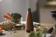 Пакет снятый бутылки соуса Стоковое Фото
