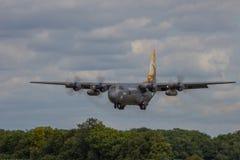 Пакистанская посадка Геркулеса военновоздушной силы Стоковая Фотография