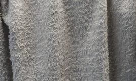 Пакостное белое серое полотенце закрыло вверх для предпосылки текстуры Стоковое Изображение RF