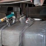 Пакостное сопло газового насоса в топливном баке тележки Стоковое Фото