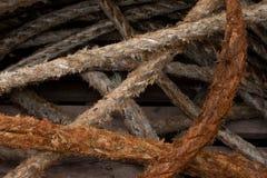 Пакостные веревочки в boatyard Стоковые Фотографии RF