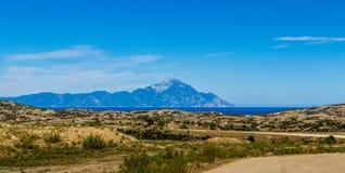 Пакостные дорога и гора Athos Стоковая Фотография RF