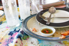 Пакостные и пустые блюда завтрака Стоковая Фотография RF