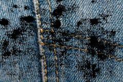 Пакостный крупный план grunge устарелой текстуры джинсовой ткани голубых джинсов карманной, предпосылка макроса для вебсайта или  Стоковые Изображения