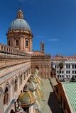ПАЛЕРМО, СИЦИЛИЯ, ИТАЛИЯ - крыша собора Стоковые Изображения RF