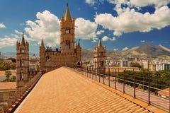 ПАЛЕРМО, СИЦИЛИЯ, ИТАЛИЯ - крыша собора Стоковые Изображения