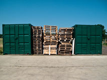 паллеты контейнеров Стоковые Фото