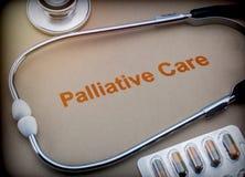 Паллиативные пилюльки заботы, стетоскопа и волдыря Стоковое Изображение RF