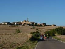 Паломники на всем пути St James Люди идя на Camino de Сантьяго стоковое изображение rf