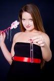 палочка пробирки удерживания девушки волшебная Стоковая Фотография
