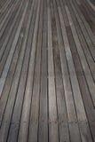 Палуба деревянного настила напольная   Стоковые Изображения