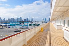 Палуба кристаллического туристического судна спокойствия открытая в Майами стоковое фото rf