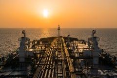 Палуба нефтяного танкера во время sunrisre Стоковое Изображение RF