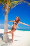 пальма девушки Стоковые Фотографии RF