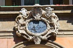 Пальто рукояток. Archiginnasio болонья. Эмилия-Романья. Италия. Стоковые Фото